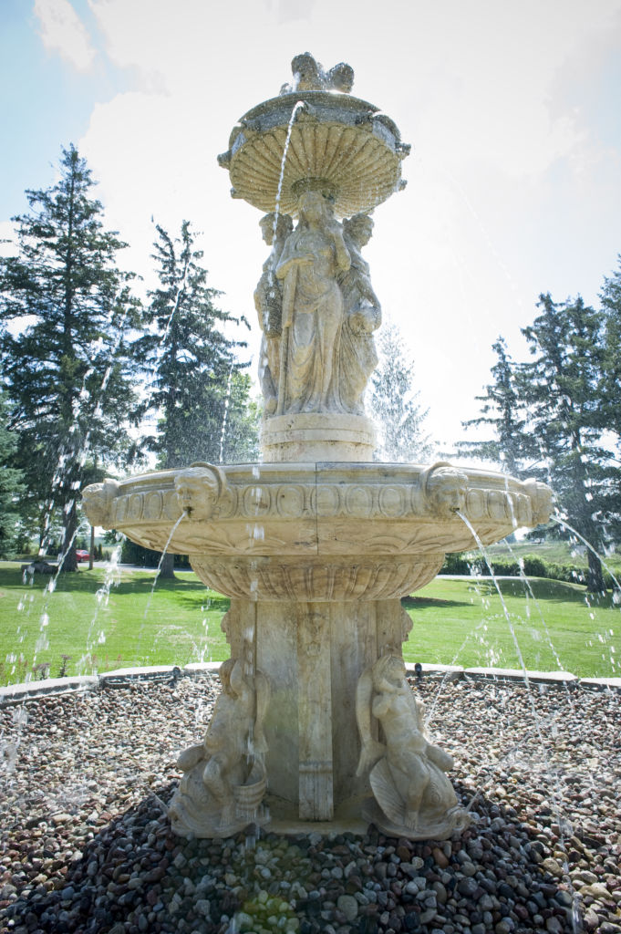 A fountain on the grounds of the Elm Hurst Inn